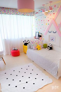 Cute girl bedroom idea