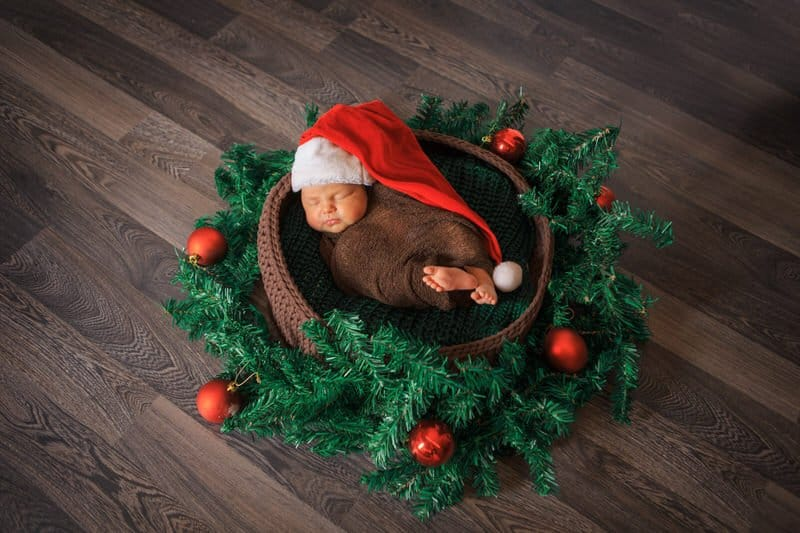 Buying newborn baby Christmas outfits online
