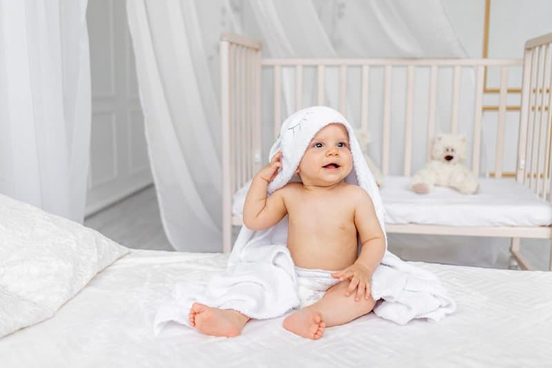 How to cool down your baby who feels hot but has no fever
