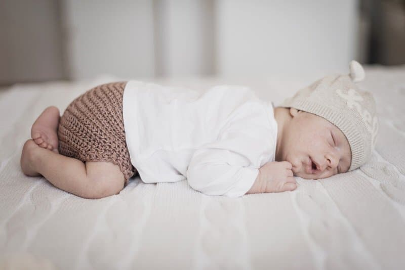 Allowing Newborn to Sleep on Stomach: Is it a Good Option?