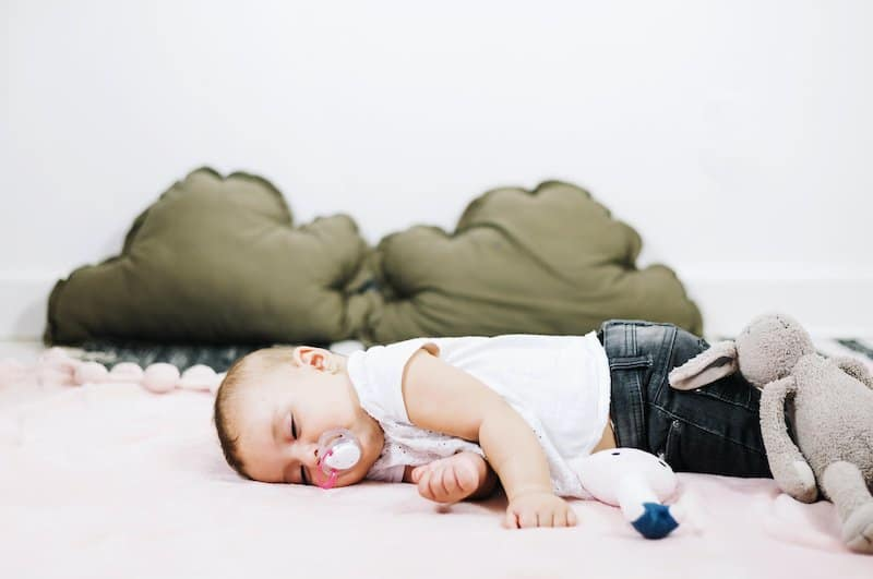 Are pacifier clips safe to sleep with?