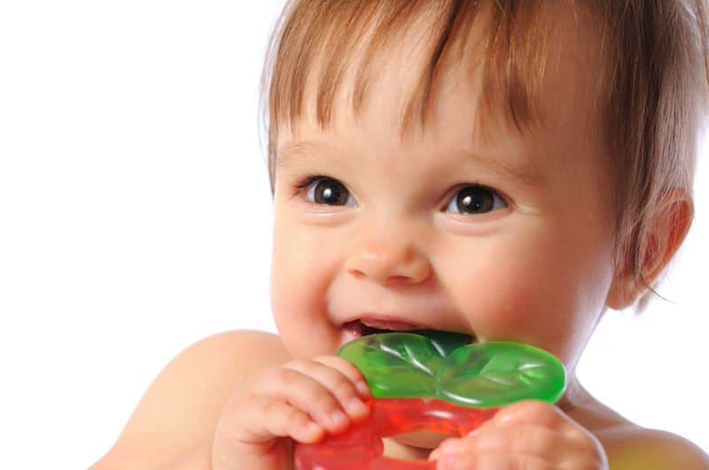 Teething products and what mothers can do to help