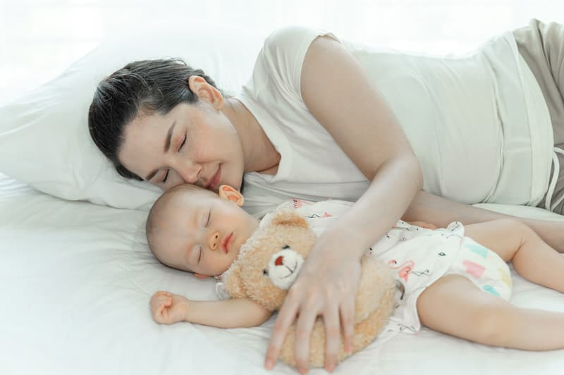 Best Bed Rails For Co-Sleeping - Types, Benefits & Guidelines