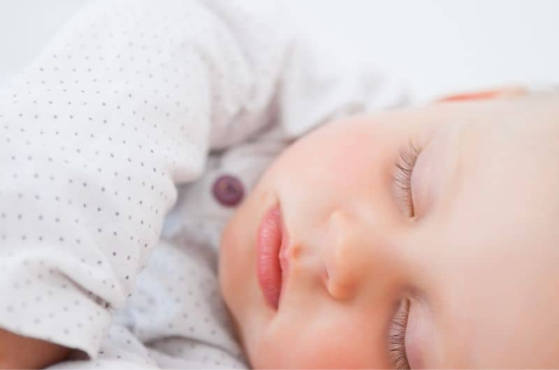 Reasons why your baby is sleeping with eyes opened