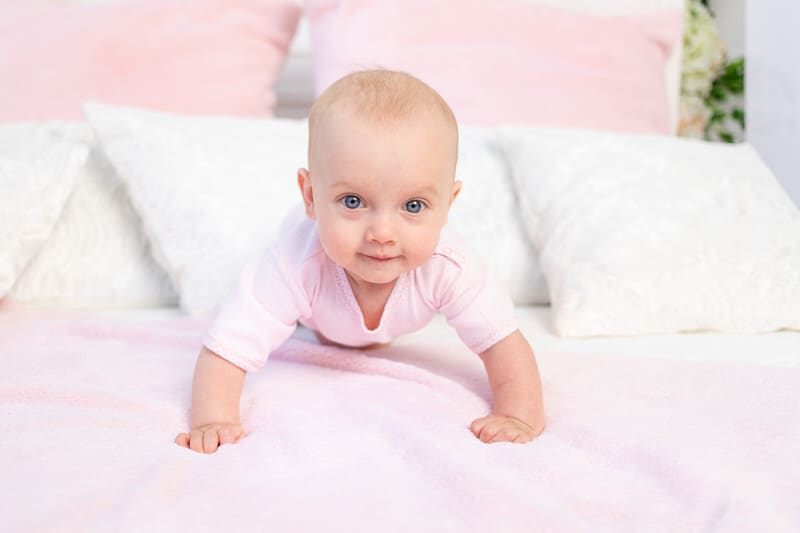 When do babies start crawling?
