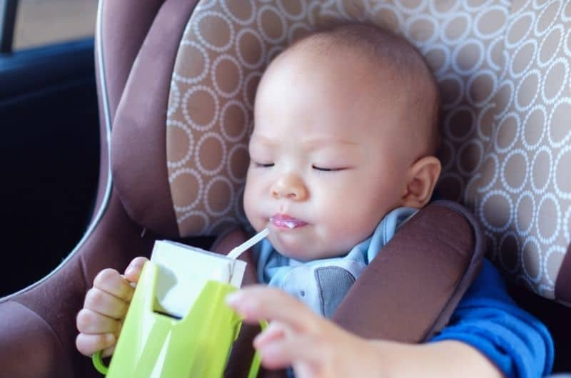 When Should My Baby Drink From a Straw?