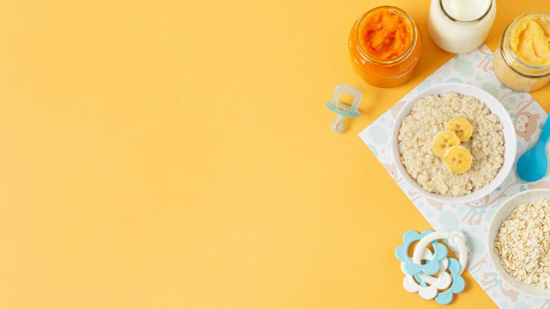 Healthy alternatives to rice cereal, like fruit and veggie purees.