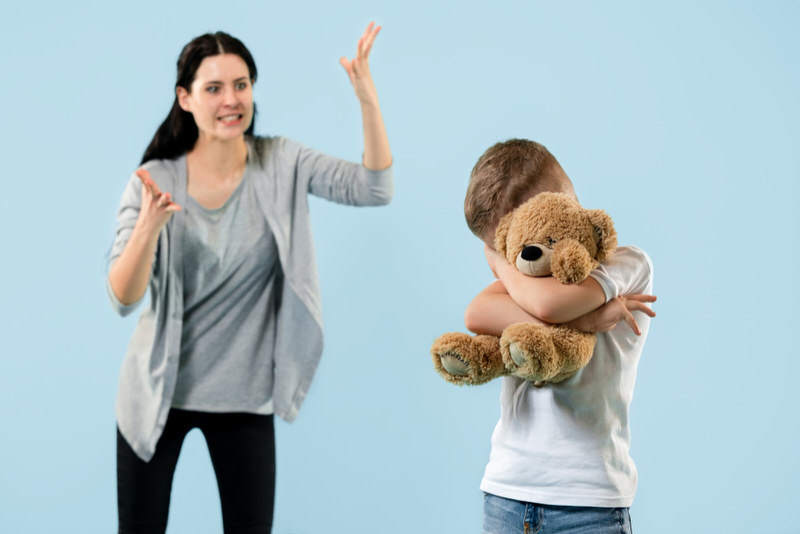 Feeling Guilty After Smacking My Child! What Should I Do?