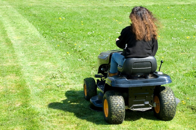 Is It Safe To Ride A Lawn Mower While Pregnant?